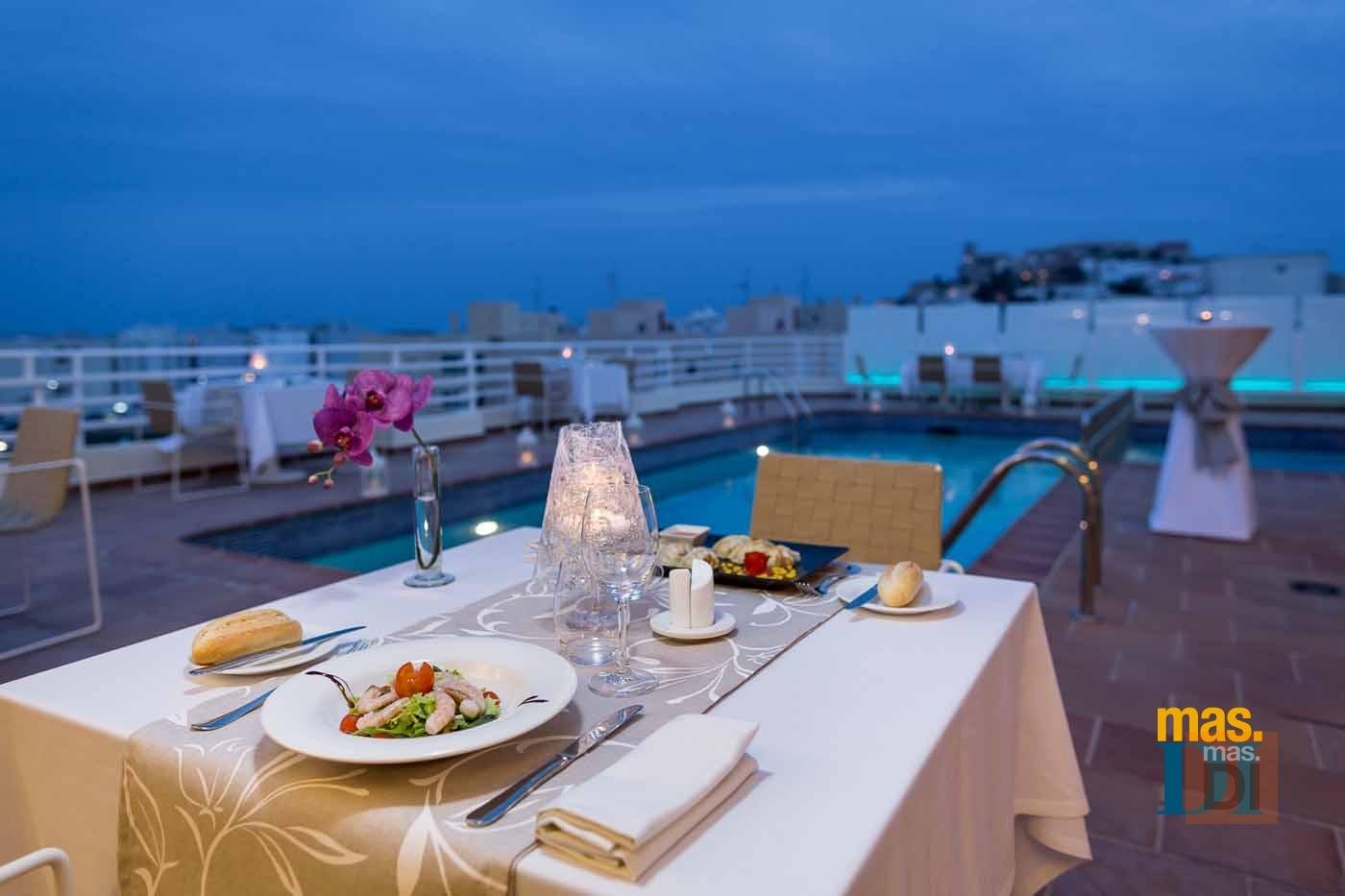 HOTEL ROYAL PLAZA, cocina de inspiración mediterránea