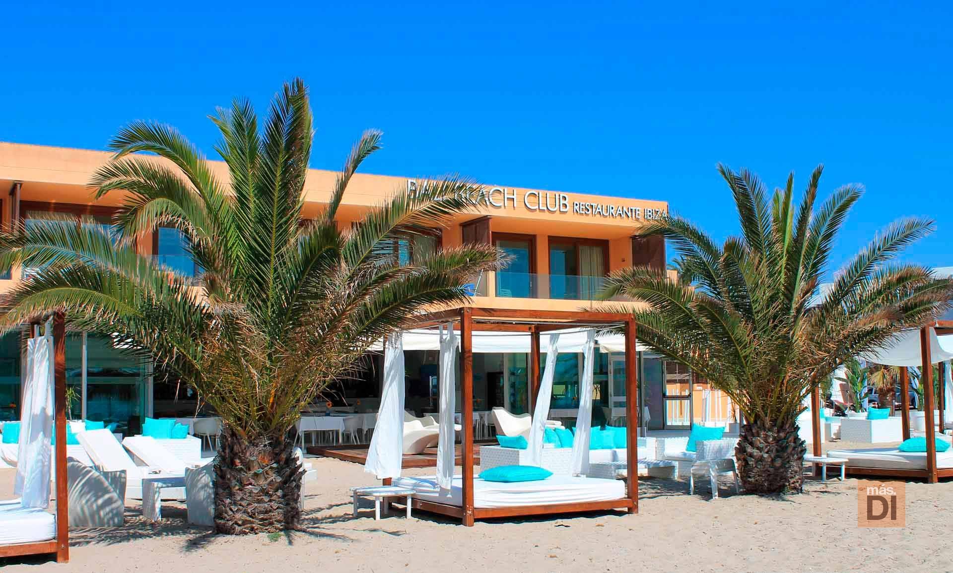 Bali Beach Club Ibiza, mar, arena y mucho sabor