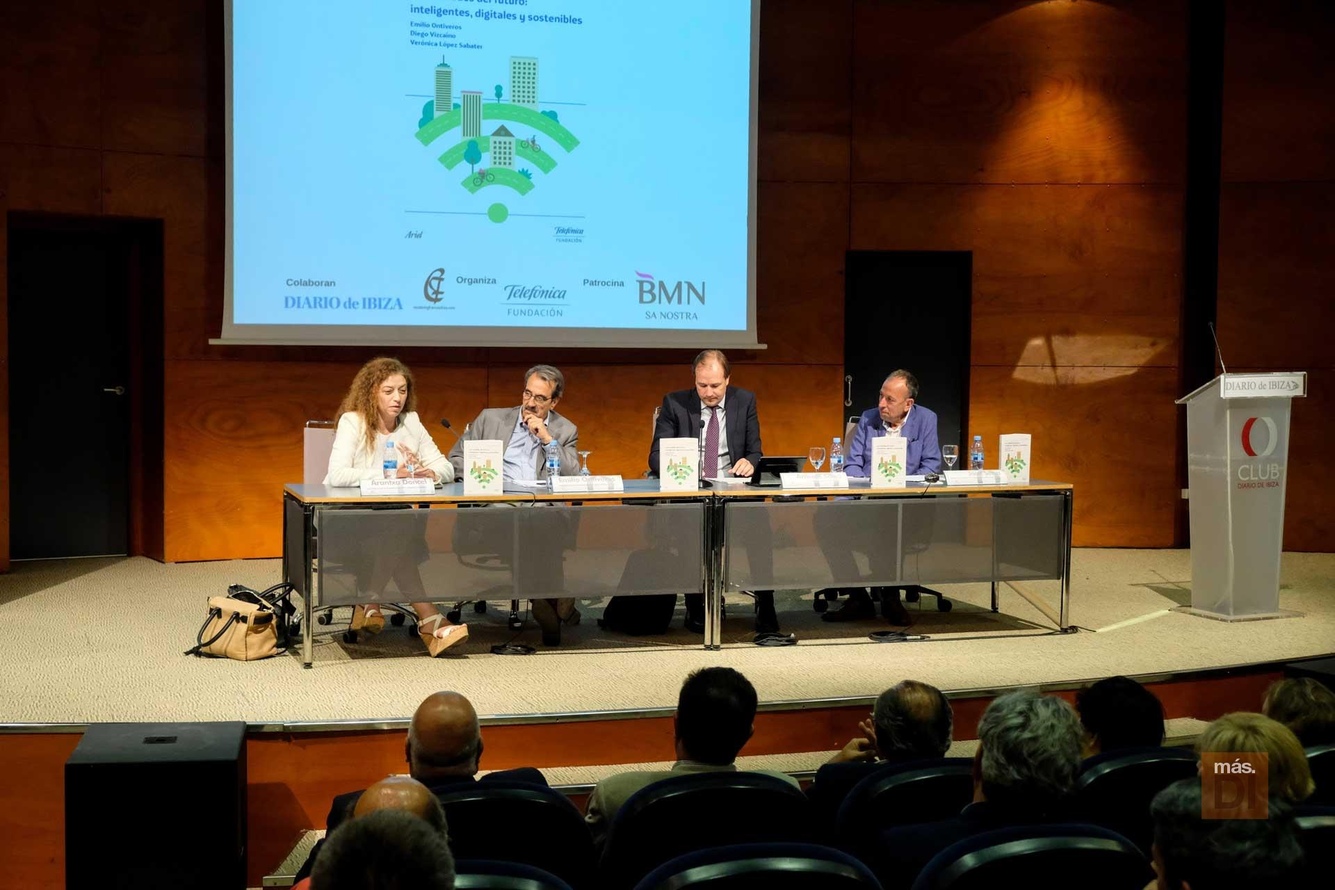 Las ciudades inteligentes abren el primer BusinessDIbiza