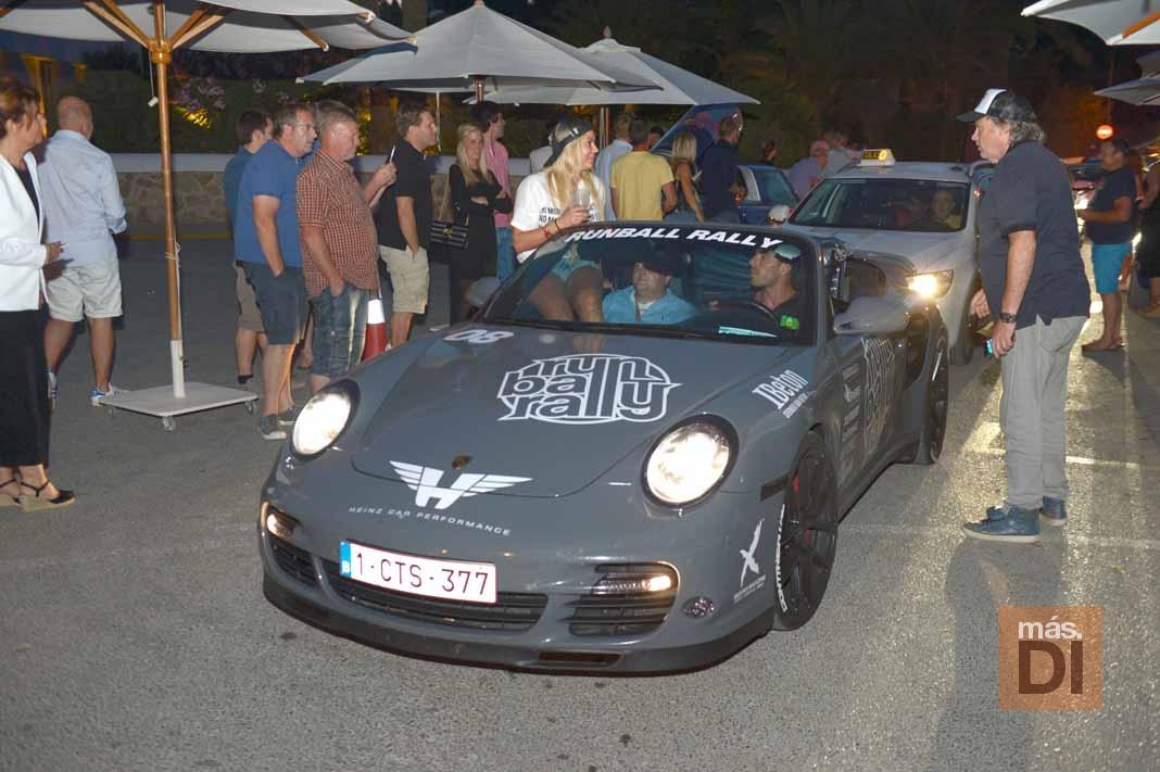 Runball Rally, a toda velocidad en coches de lujo por Europa