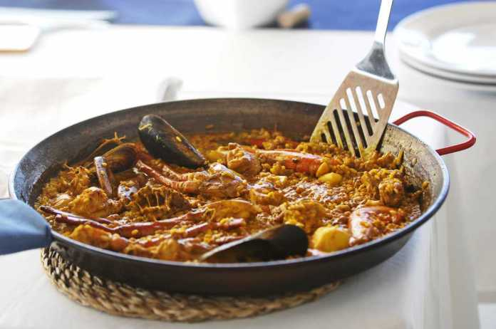 Bali Beach Club. Deliciosas paellas y arroces.