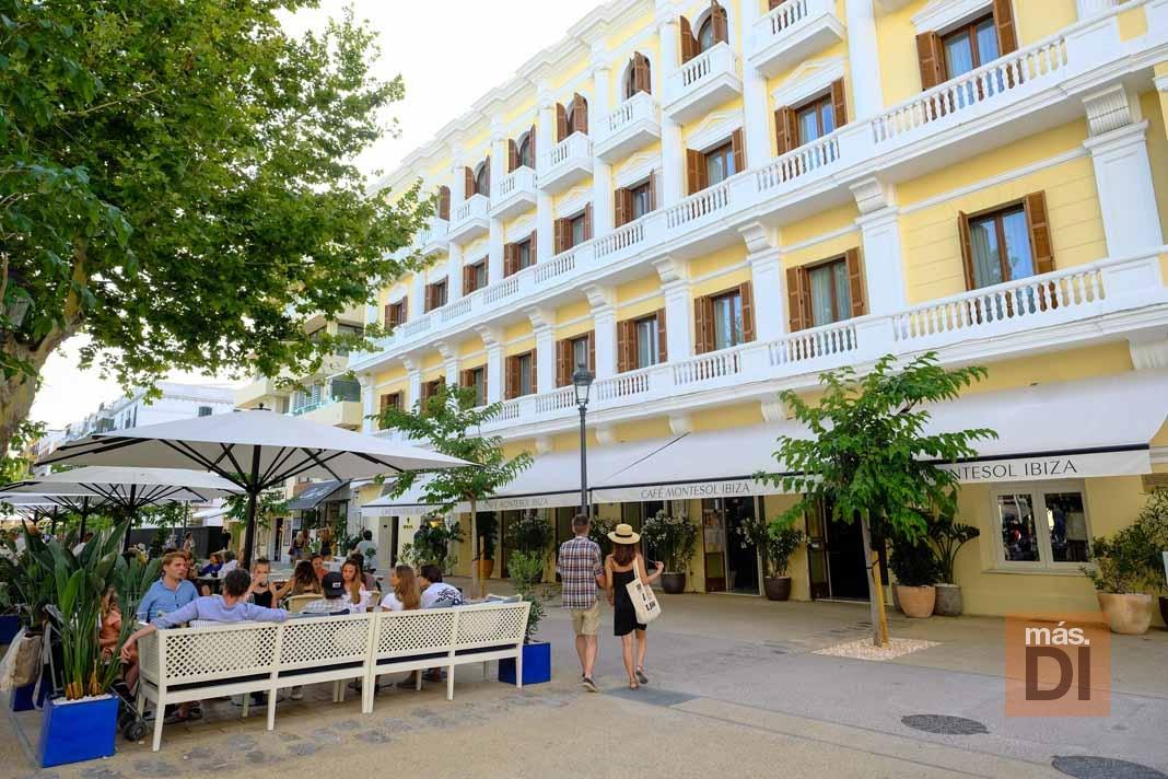 Café Montesol. Increíble terraza del café más mítico de la isla