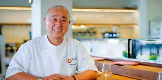 Nobu Matsuhisa, innovador de la cocina japonesa posa en su nuevo restaurante en Ibiza.