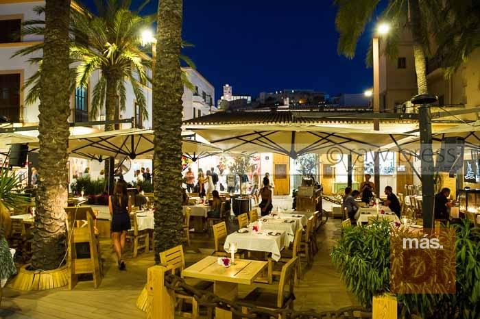 Mariner Ibiza. Todas las noches, la tentación vive en el puerto