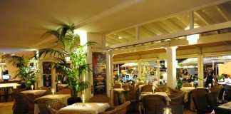 Una atmósfera llena de encanto en Café Sidney Ibiza.