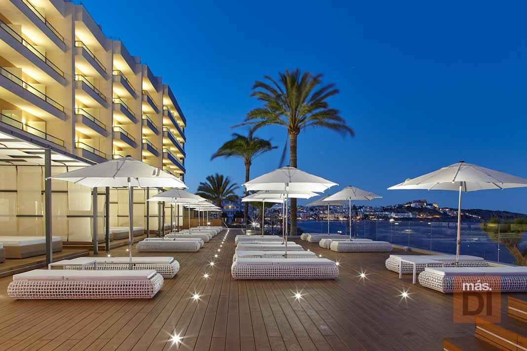 Hotel Torre del Mar. Para vivir la magia de los fuegos artificiales
