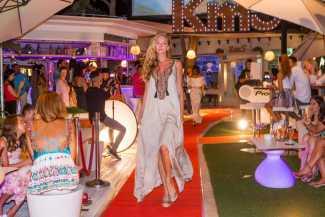 Moda rompedora y sin parangón para vestir las noches de Ibiza