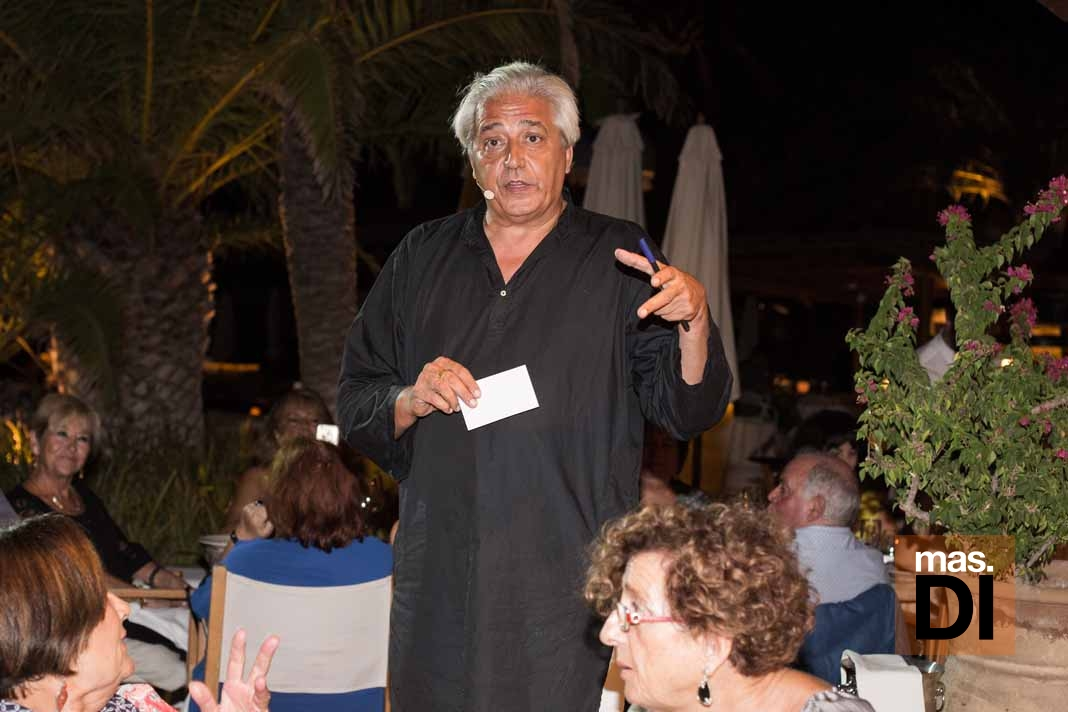 Destino Pacha Ibiza Resort. Cena solidaria de la Apaac