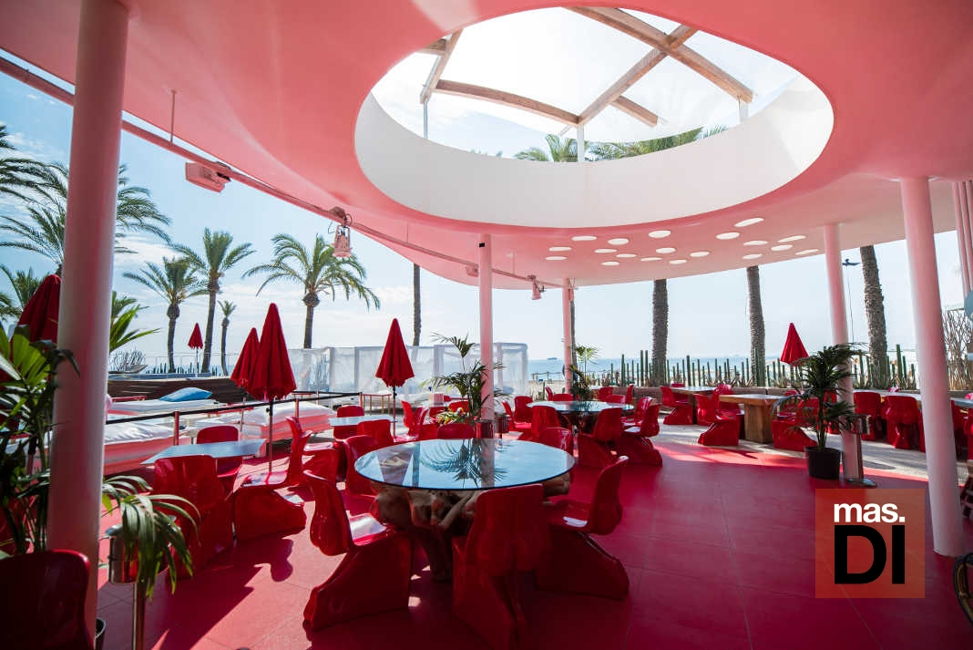 Ushuaïa Ibiza Beach Hotel. Vanguardia y exquisitez frente a frente