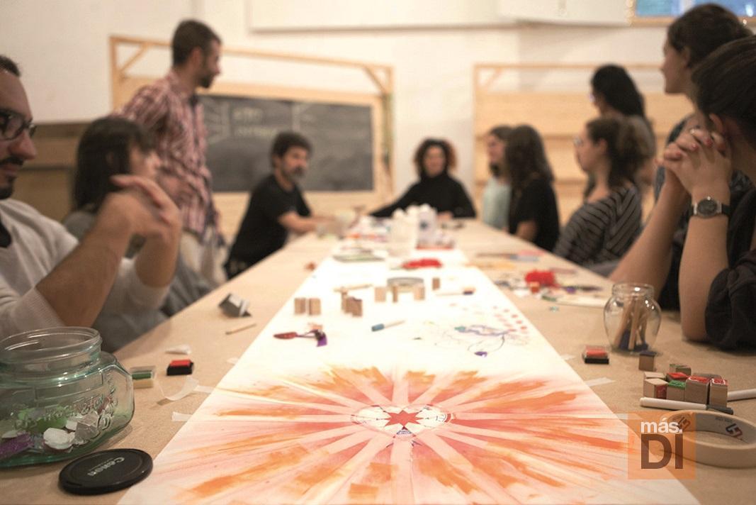 Los esquemas ayudan a visualizar el método ideado por la doctora en Creatividad Aplicada. VANESSA BEJARANO