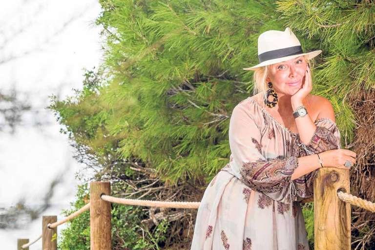 Yulia Yanina: «Adoro diseñar y crear vestidos de ensueño»