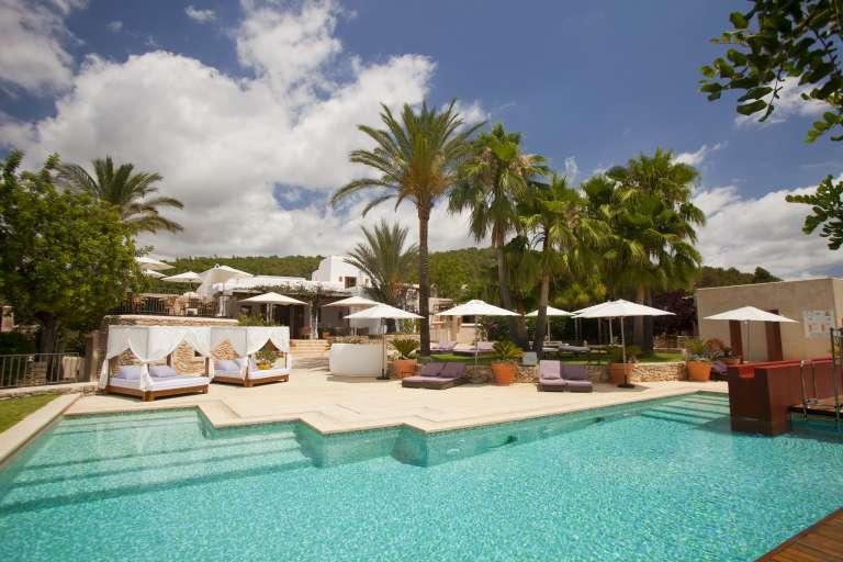 Empresas y parejas de todo el mundo escogen Ibiza como destino Mice y de bodas por su singularidad y buen tiempo