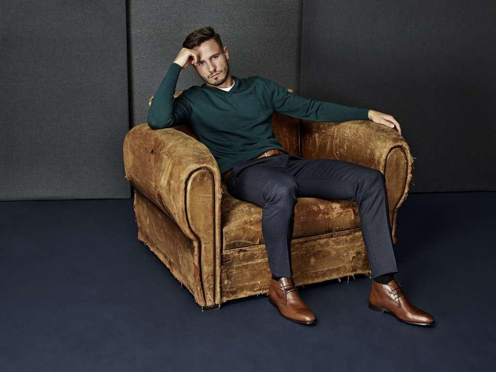 Tonos marrones en calzado y complementos. Martinelli.