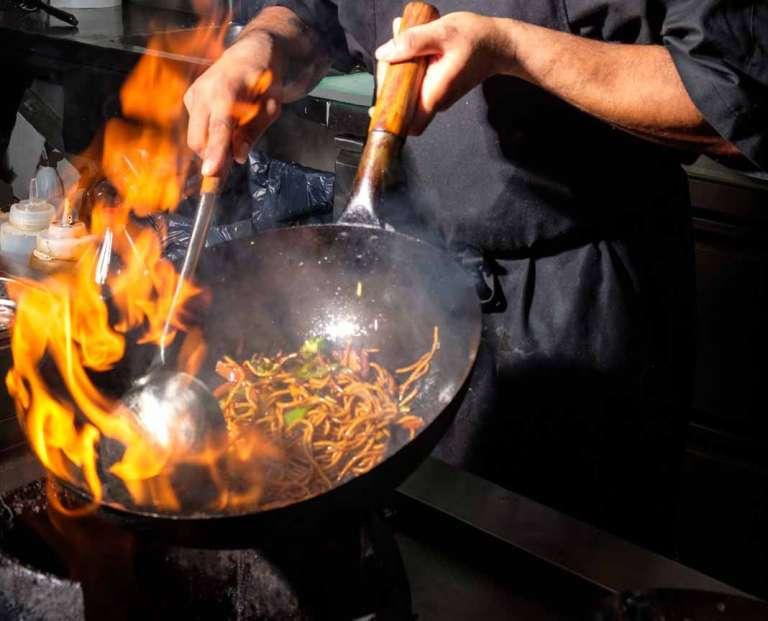 Cantina Click&Eat. Para disfrutar de las cocinas  del mundo con una sola llamada