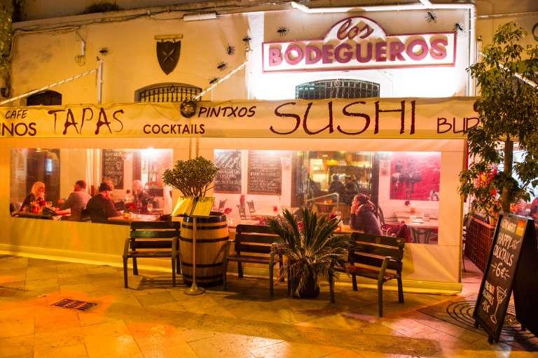 Las tapas tradicionales comparten mesa con la 'raclette' y el 'sushi'  en Los Bodegueros