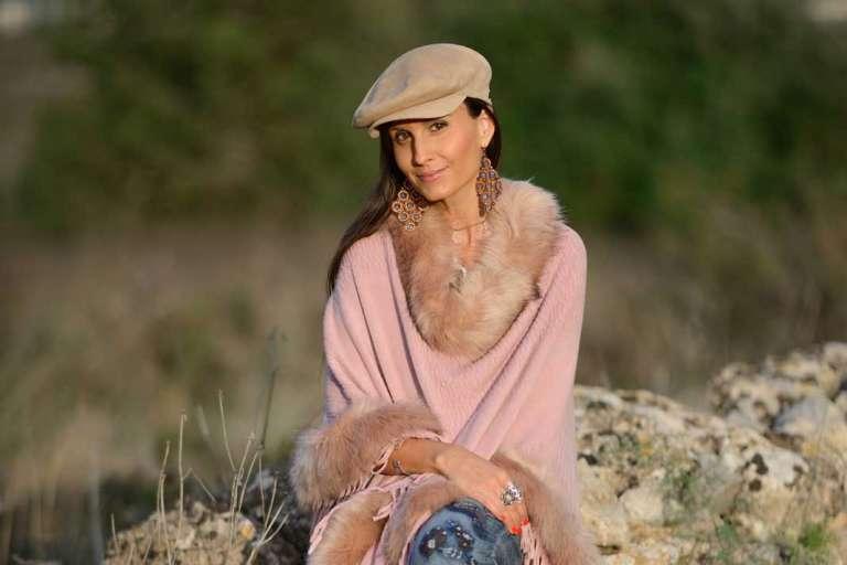 Natalia Aestene: Una viajera  del mundo en tiempos presentes