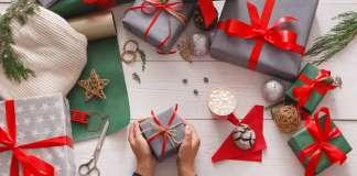 Papel de regalo.Un toque rústico con un lazo de cuerda. Fotos: istock
