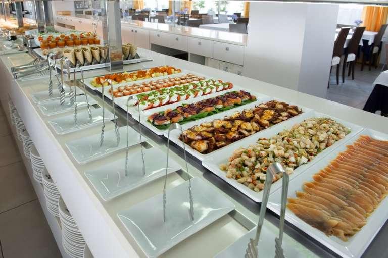 Un 'brunch' cada domingo en el Hotel Simbad de Ibiza