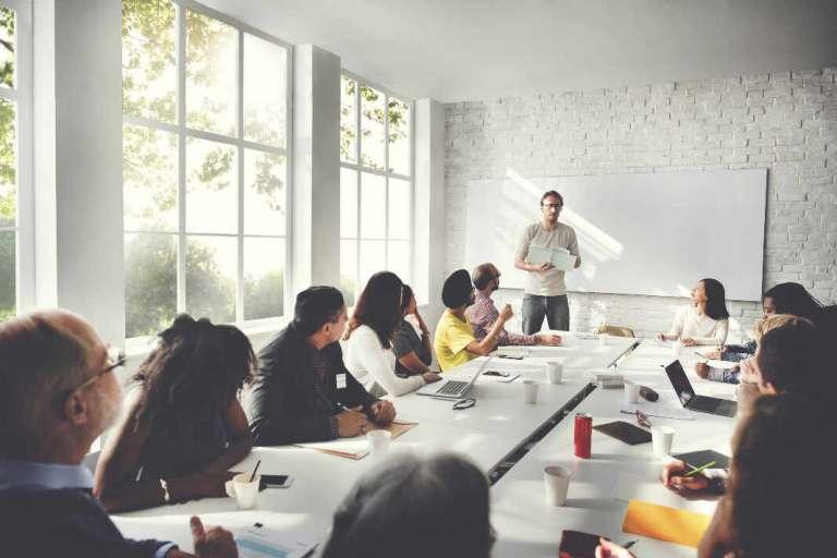 Renovarse o morir: La importancia de la formación en las empresas
