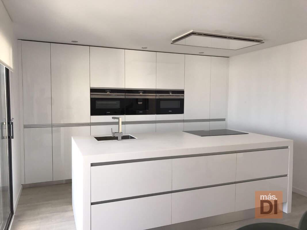 Cocina a medida, diseño y resistencia aplicadas en cocinas.com