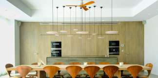 Lacados y barnizados. Una cocina diseñada por Carpintería San Antonio, con interiorismo de Zsofia Varnagy. FOTOS: Sergio g. cañizares