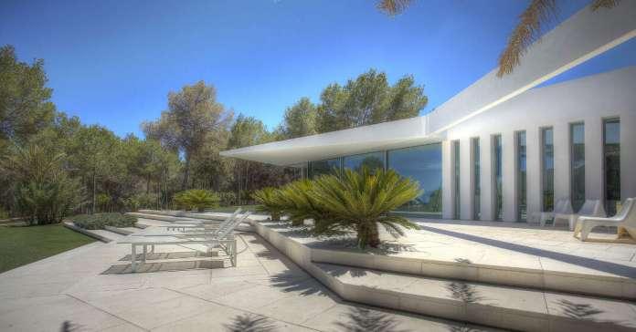 La casa serpiente es uno de los ejemplos de la desafiante arquitectura de MG&AG. foto: MG&AG Arquitectos asociados