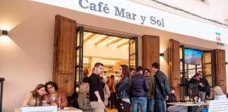 El estreno de la temporada fue el viernes 16 de marzo entre amigos y clientes. fotos: sergio g. cañizares Café Mar y Sol