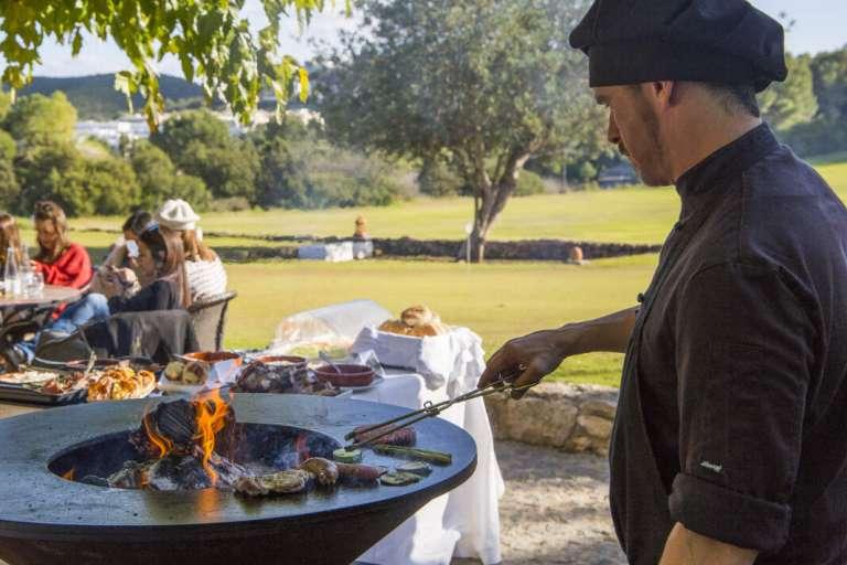 Buenos planes en Ibiza rodeados de naturaleza y buena gastronomía
