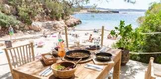 ¿Hay algo mejor que comer frente al mar? fotos: cala gracioneta / alba haut