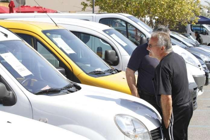 Durante la Feria de Vehículos de Ocasión de Sant Jordi se ofrecen importantes descuentos. Foto: Vicent marí