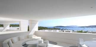 La amplia terraza, una joya en esta exclusiva vivienda.