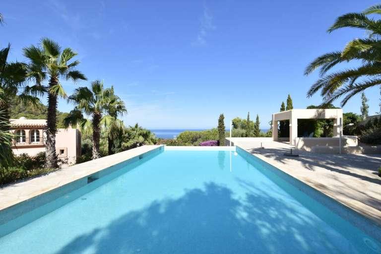 Más de 20 años asesorando en Ibiza