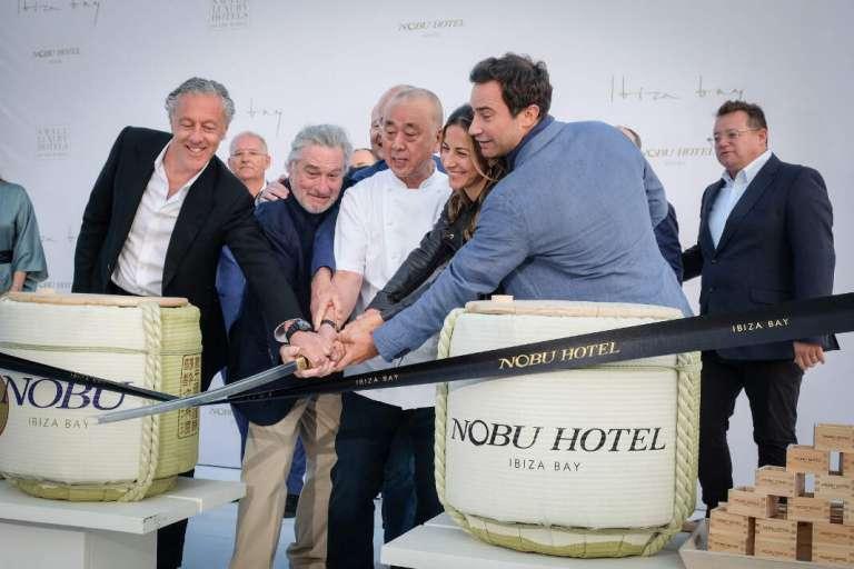 Robert de Niro inaugura Nobu Ibiza Bay con la Ceremonia del Sake