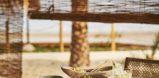 Chambao está ubicado dentro de Nobu Hotel Ibiza Bay.