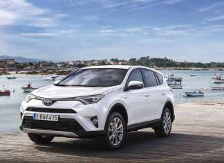 En marzo de 2016, Toyota lanzó el RAV4 hybrid. toyota