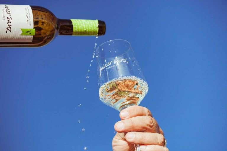 Tradición familiar del viñedo a la copa