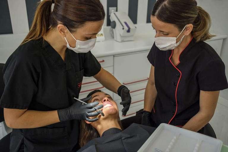 Uno de cada tres usuarios de ortodoncia en España es mayor de edad