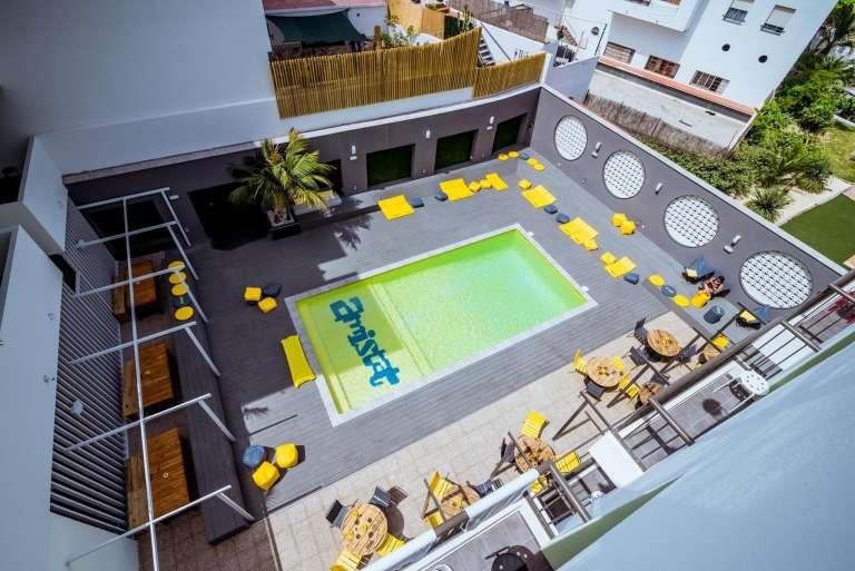 Punto de encuentro en Ibiza para viajeros de todo el mundo