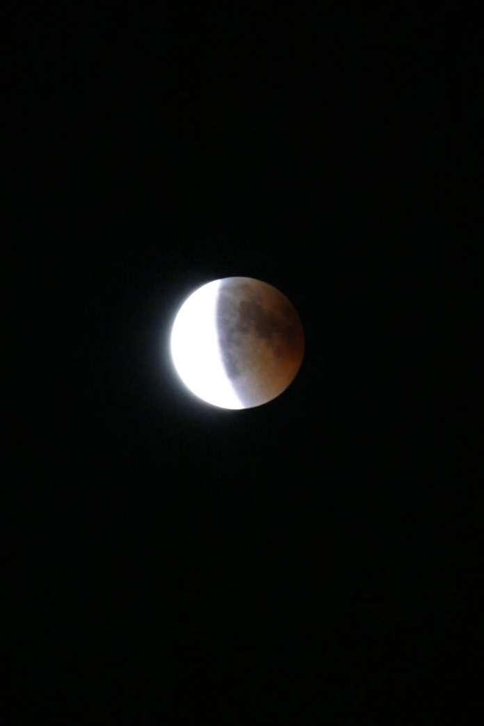 noche de eclipse lunar