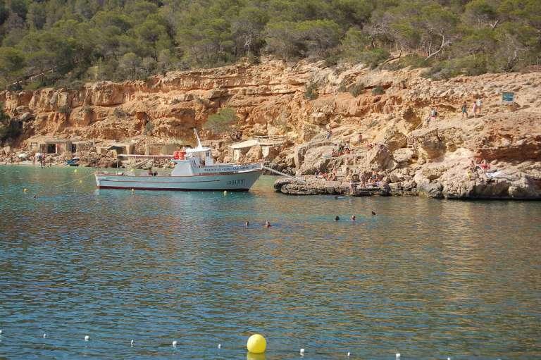 Aumentan excursiones marítimas a Cala Salada