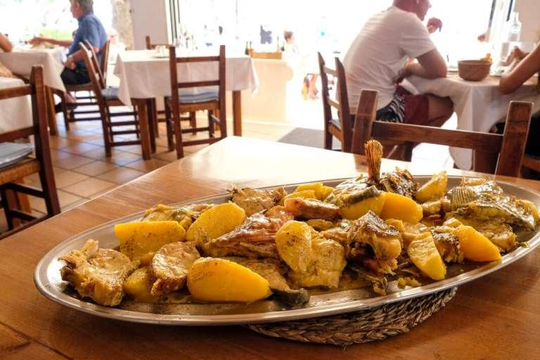 La temporada baja la persiana en Ibiza