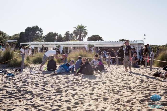 Atzaró celebra el cierre de temporada de sus establecimientos de playa en Cala Nova.