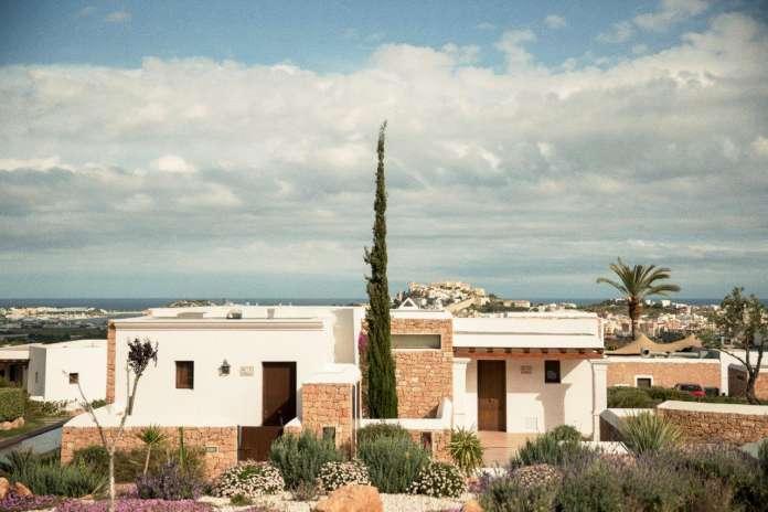 Ubicado en un entorno ideal con unas vistas impresionantes a Dalt Vila. Foto: Casa Maca