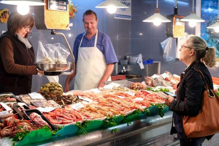 Al Mercat Nou, a por el producto local
