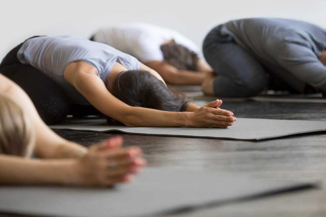 Actualmente, practicar yoga es una meta muy común.