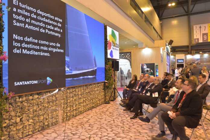 imagen de la presentación en Fitur del vídeo sobre los eventos deportivos que acoge Sant Antoni.