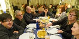 La degustación del 'arròs de matances' abrió la cena.