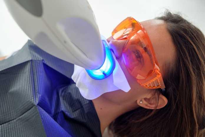 Tratamientos sin dolor y en una sola sesión en la Clínica Dentista Esther de Bustamante.