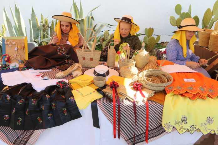 El tema del concurso está relacionado con la evolución, la tradición y la historia de las mujeres.