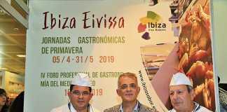 Pep Tur, Vicent Torres y Antonio Torres de es Nàutic en el estand de Ibiza.
